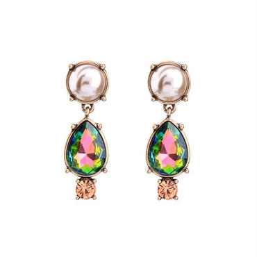 green stone × pearl pierce