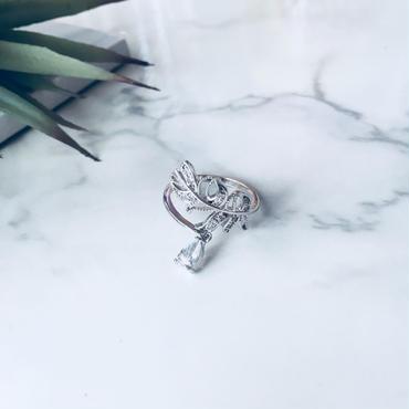 leaf  drop stone pierce