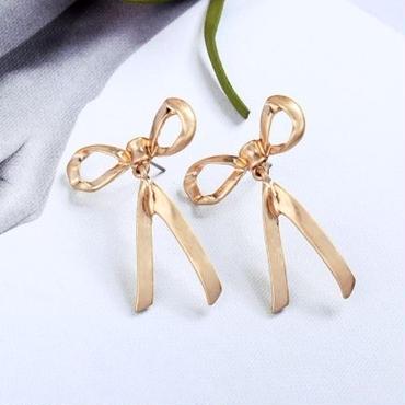 vintage ribbon  pierce