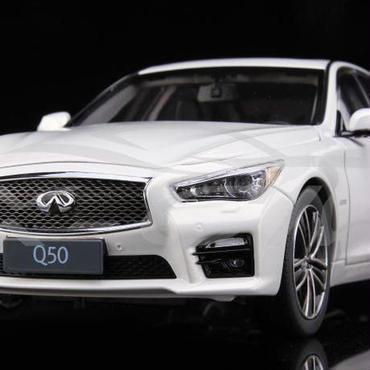 1/18 Infiniti Q50 インフィニティ モデルカー ホワイト