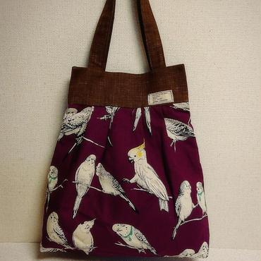 インコ柄綿麻生地のバッグ