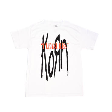 PLEASURES × KORN BAKERS FIELD T-SHIRT / WHITE