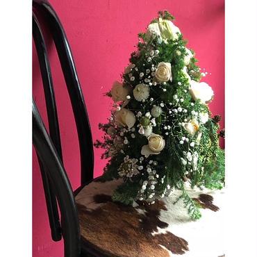 フレッシュフラワーのクリスマスツリー