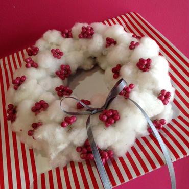 Christmas wreath コットンとペッパーベリーのドライリース