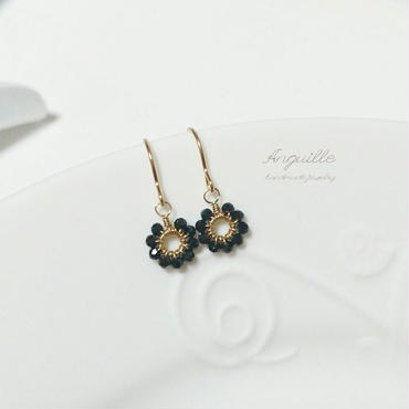 14kgf*Petite Earrings [Flower Black Spinel]*
