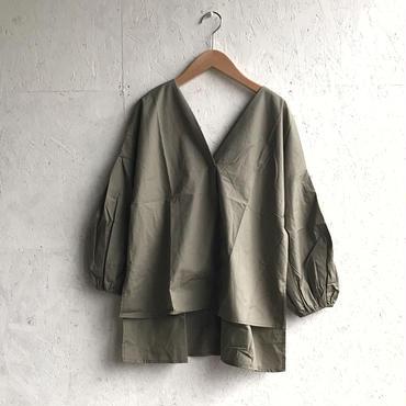 APPRECIATIVE V/N baloon sleeve blouse