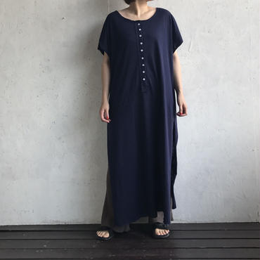 APPRECIATIVE Wide slit maxi onepiece