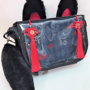 アルマジ製作所 タッセル付きお狐バッグ 黒×黒×赤タッセル A