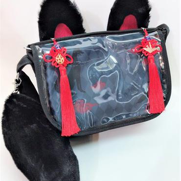 アルマジ製作所 タッセル付きお狐バッグ 黒×黒×赤タッセル B