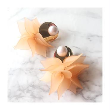 オレンジ花びらピアス