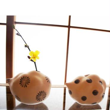 オノマトペ 磁製白雲型花器 / YURIKO YAMAMOTO