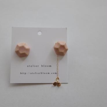 陶の宝石ピアス ピンク色