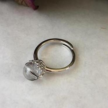 棚から牡丹餅が落ちてくるプラチナルチルクォーツのリング