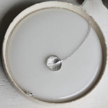 sv925 ユーカリのネックレス