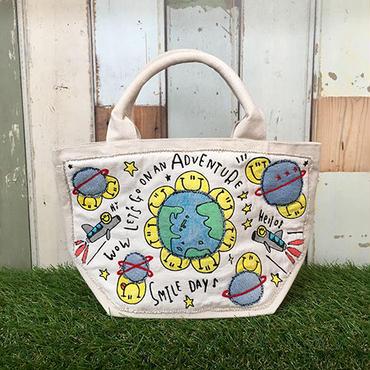 地球スマイル刺繍ミニトート