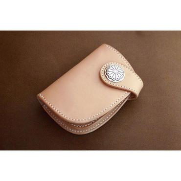 本革サドルレザーのハーフ財布【コンチョ】
