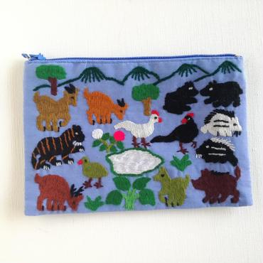 ラオス モン族の手刺繍ミニファスナーポーチ 動物の楽園(水色) 02