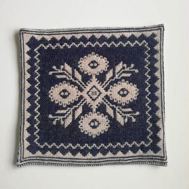 ヤノフ村の織物 クッションカバー 伝統的な花(38×36cm) #2236