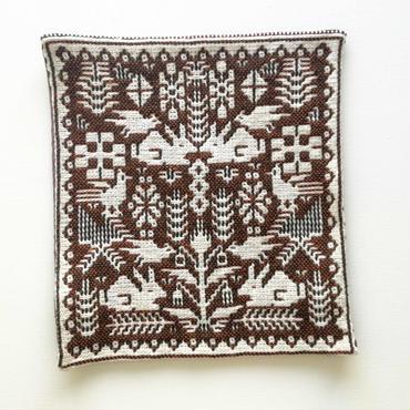 ヤノフ村の織物 クッションカバー 動物と植物模様(34×36cm)#1514