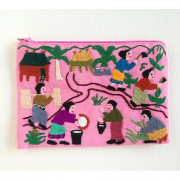 ラオス モン族の手刺繍ミニファスナーポーチ 農村の生活風景(ピンク)07