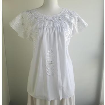 オアハカの刺繍ブラウス サン・アントニーノ 白刺繍