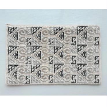 ラオス モン族の手刺繍ファスナーポーチ(クロスステッチ)