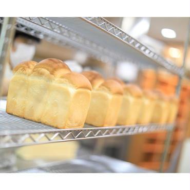 定期便【3本入】こだわり食パン2本+期間限定食パン1本セット×8回<送料込み>