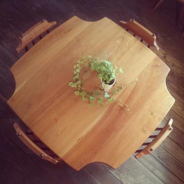 クローバーテーブル