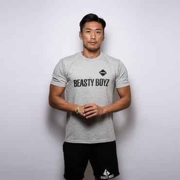 【完売しました / 再入荷はございません】F.C.R.B GYM×BEASTY BOYZ コラボ Tシャツ カラー:グレー  品番:1001