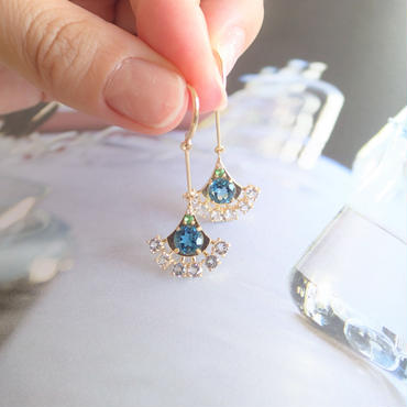 Peacock earrings(ロイヤルブルー)