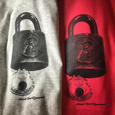 """HardHotRomance """"Rabit chain"""" Tshirts"""