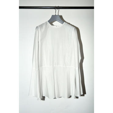 JANE SMITH : FLAIR SLEEVE BLOUSE