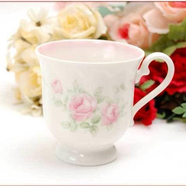 ■プラン・ド・パリ キャサリン ロゼ マグカップ 【薔薇雑貨  陶器カップ エンボス模様  テーブルウエア ギフト】