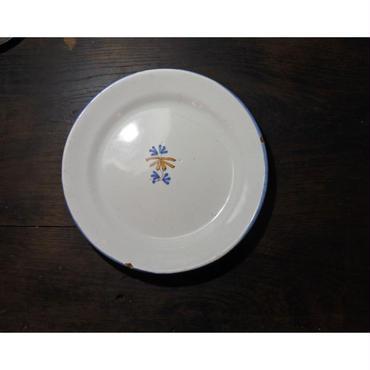 ムスティエ 小さな花の皿