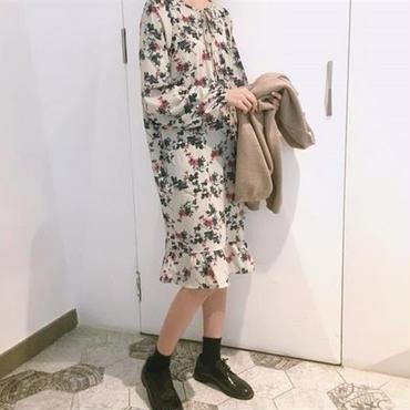 [0815op]レトロ花柄ミディワンピース