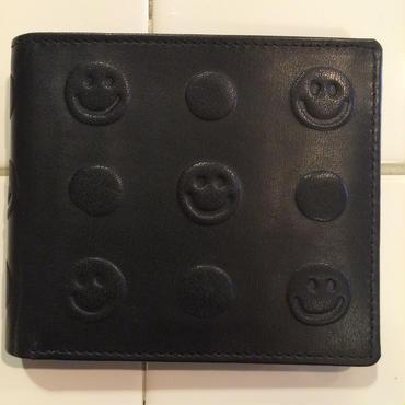スマイルエンボス加工革財布(ブラック)