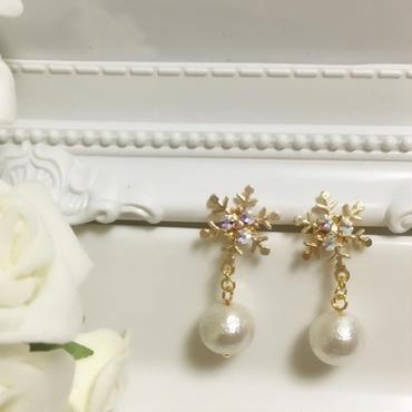 《再販×6♡》《white Xmas》雪の結晶&コットンパールのピアス