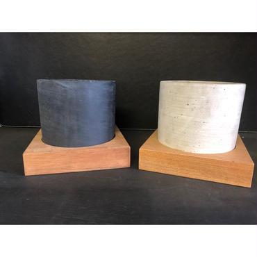 被災地支援チャリティ商品 セメントポットサークル/Lサイズと天然木鉢受けのセット