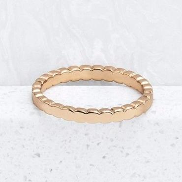 Gold Circle Joined Ring / Louche
