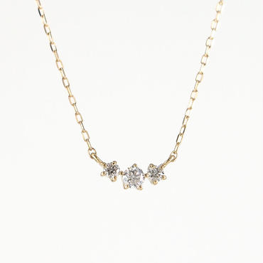 K18 イエローゴールド ダイアモンド スリーストーン ペンダント ネックレス