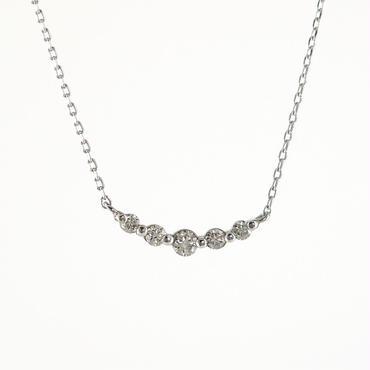K18 ホワイトゴールド ダイアモンド クレッセント ペンダント ネックレス
