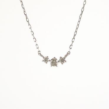 プラチナ ダイアモンド スリーストーン ペンダント ネックレス