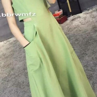 レディース グリーン カット アウト おなか あき ミモレ 丈 フレア ワンピース ドレス 緑