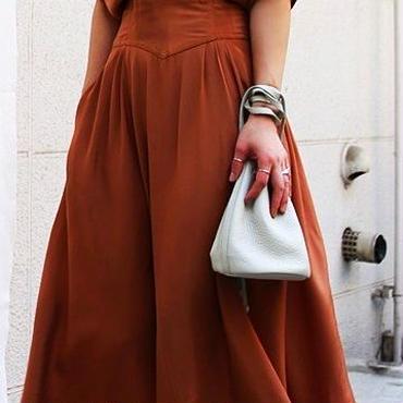 レディース 海外 インポート テラコッタ ブラウン カシュクール 光沢 ミモレ ロング 丈 ワンピース ドレス