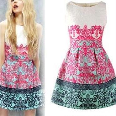 海外インポートセレクトホワイトピンクグリーンデザインフレアワンピースドレス白色