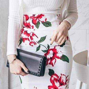 レディース 海外 インポート ホワイト リブ ニット アンサンブル トップス カーディガン フラワー スカート セットアップ ワンピース ドレス 花柄
