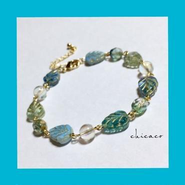 天然石水晶アクアクリスタル&チェコリーフのブレスレット
