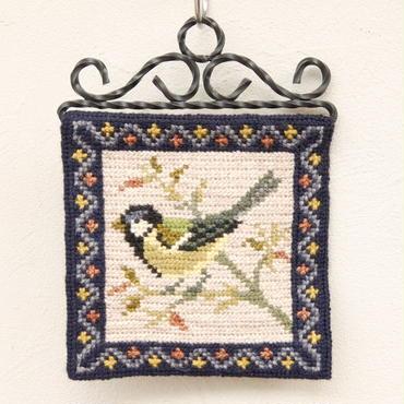ツヴィスト刺繍 タペストリー(鳥・小)B