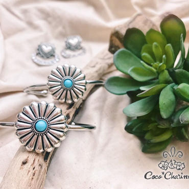 Big flower concho bangle 💎