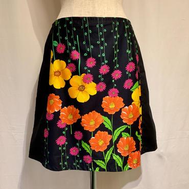 ブラック&カラフルフラワースカート(1980s Italy デッドストック)